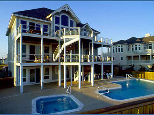 7 bedroom house.  Seven Cousins Cottage 7 bedroom Ocean Front home in Hatteras OBX NC