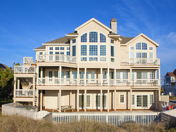 Landfall 7 bedroom ocean front home in hatteras obx nc for Hatteras homes