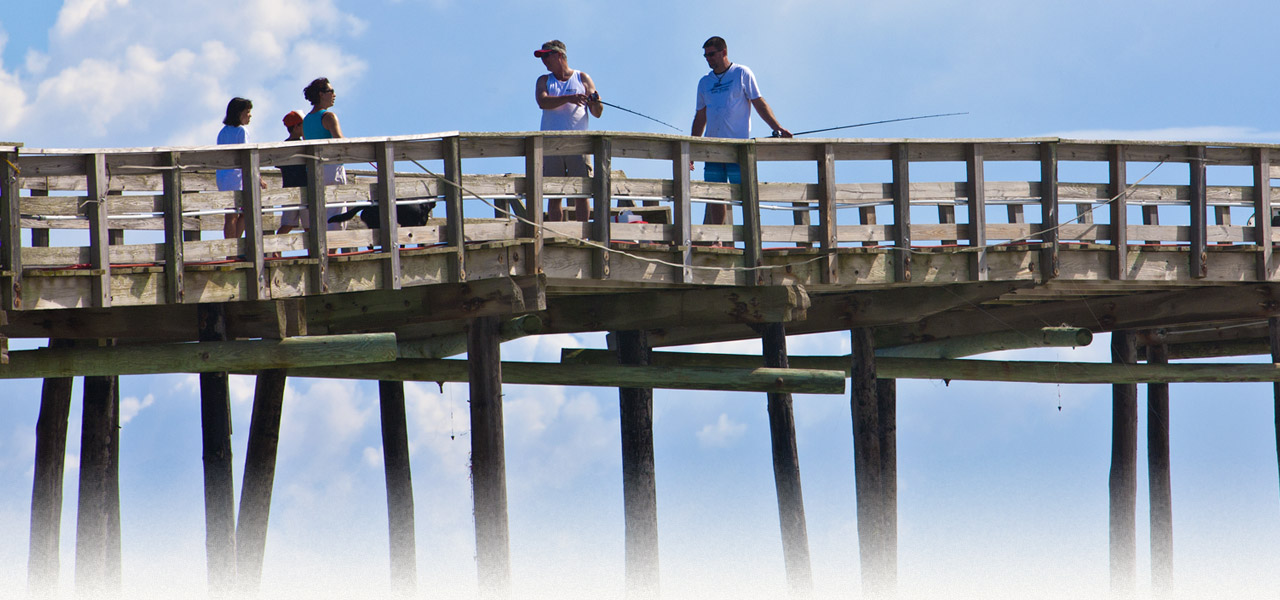 The avon cape hatteras fishing piers in nc surf or sound for Nc surf fishing calendar