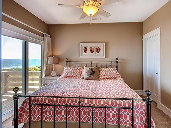 Hatteras Retreat 7 Bedroom Ocean Front Home In Buxton