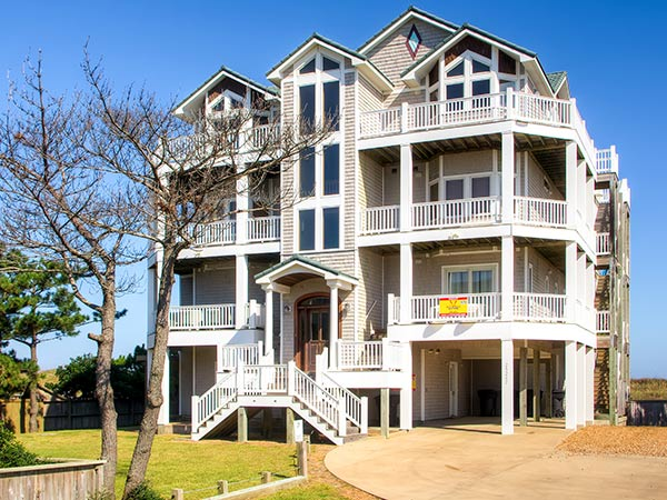 8 bedroom house.  Sea Glass 8 bedroom Ocean Front home in Waves OBX NC